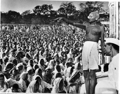 Mahatma Gandhi addresses a big crowd in India